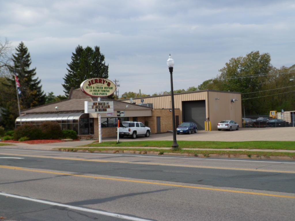 657 N Main Street, River Falls, WI 54022