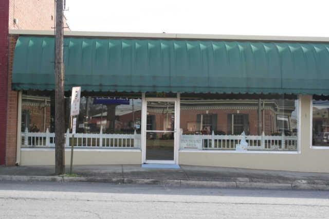 202 North Military, Lawrenceburg, TN 38464