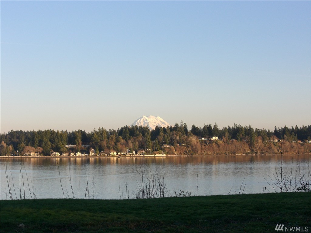 7632 Cooper Point Rd NW, Olympia, WA 98502