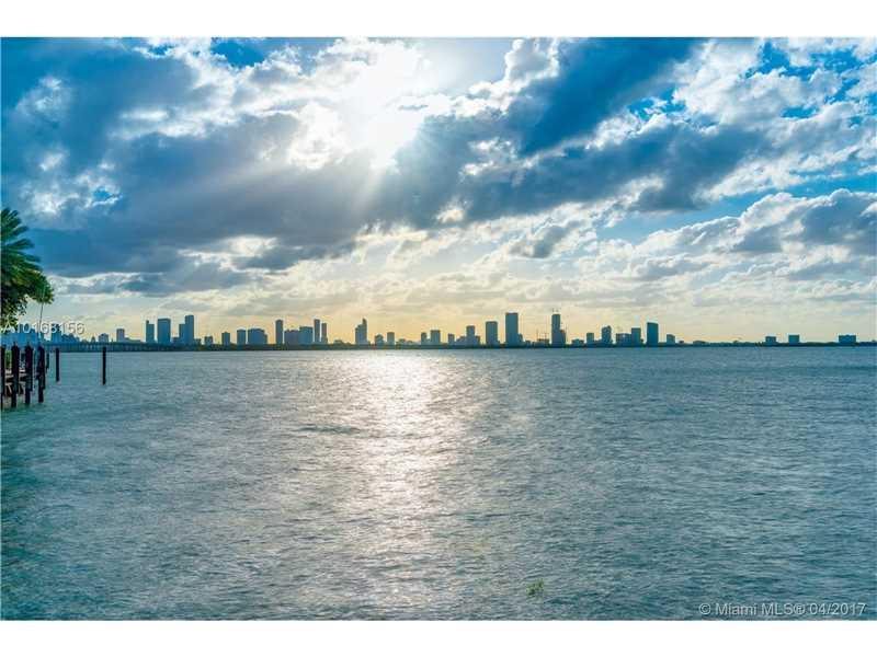 4412 N Bay Rd, Miami Beach, FL 33140