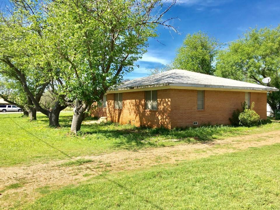 303 S Erath Street, Iredell, TX 76649