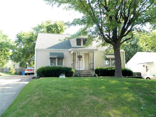 1040 Perry Street, St Charles, MO 63301