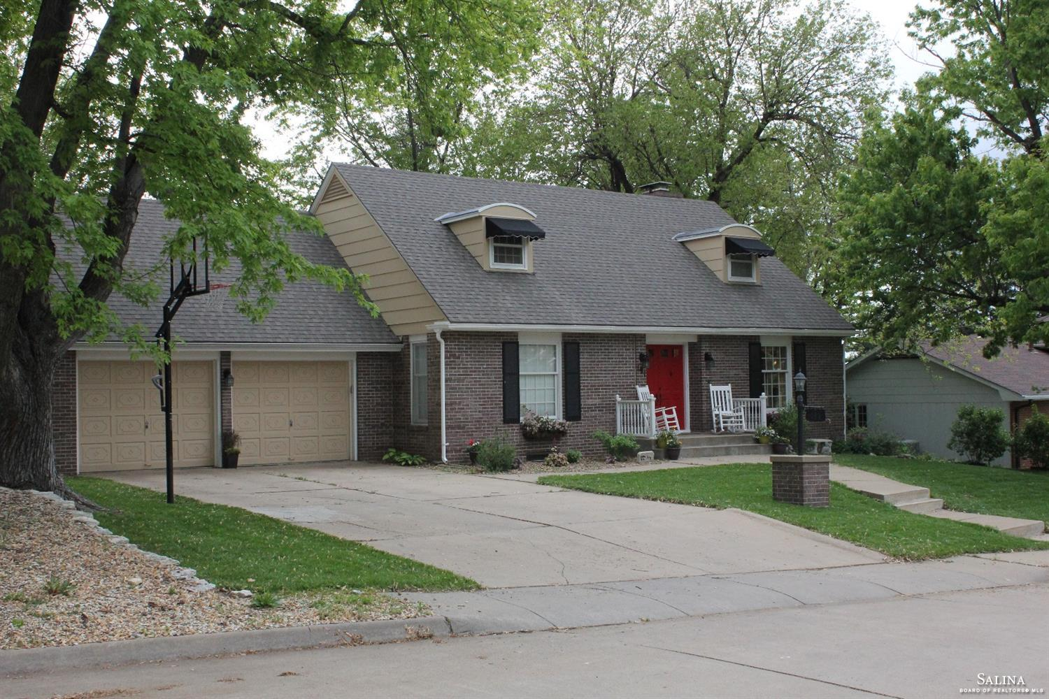 191 Millview Road, Salina, KS 67401