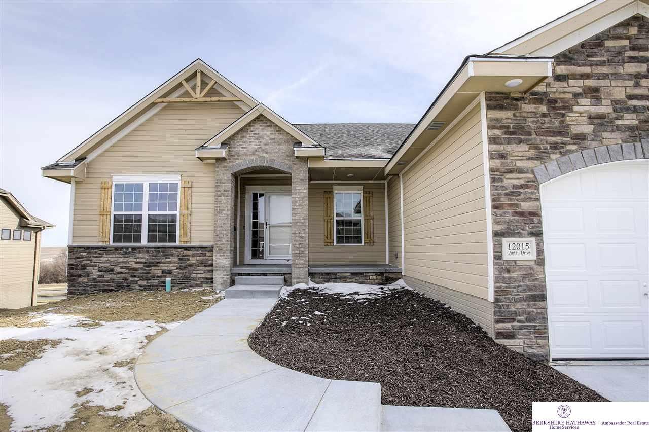 12015 Pintail Drive, Papillion, NE 68046