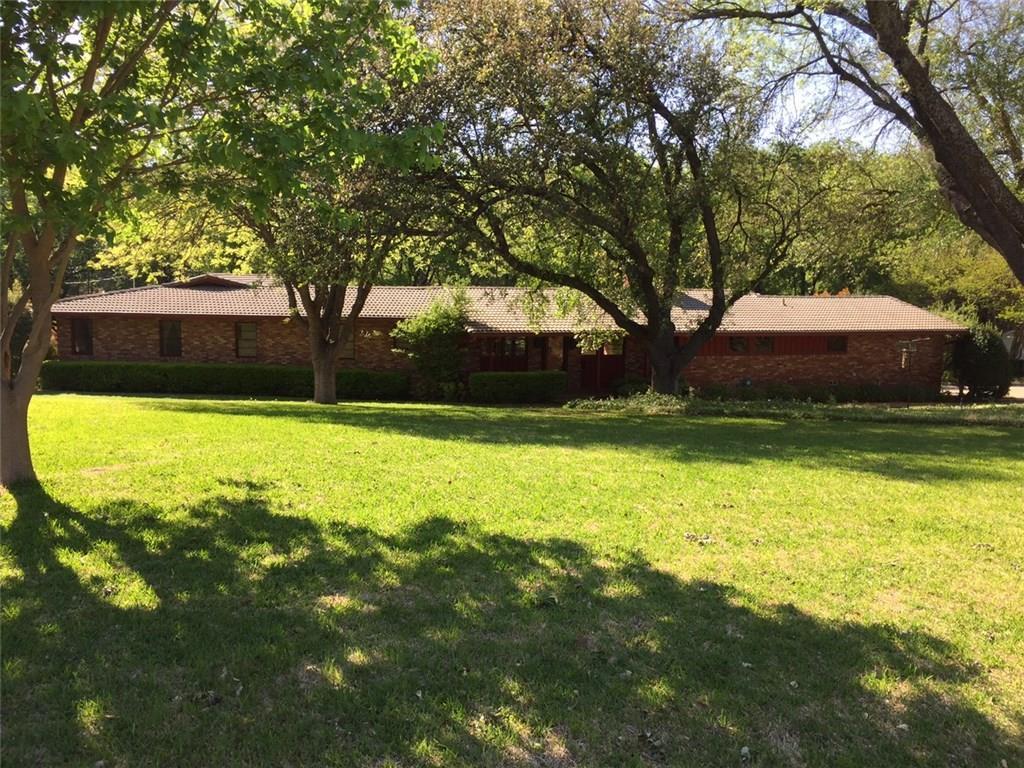 3874 S Hills Circle, Fort Worth, TX 76109