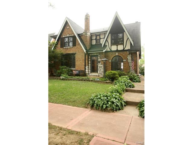 5846 Walsh Street, St Louis, MO 63109