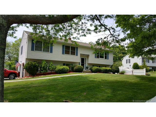 11 Rev Taylor Dr, Ansonia, CT 06401