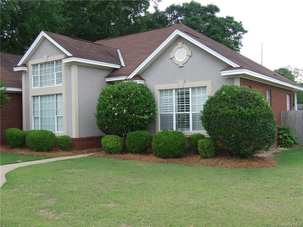 138 Shady Oak Lane, Prattville, AL 36066