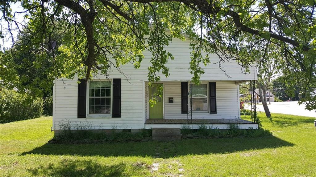 302 Branch ST, Berryville, AR 72616