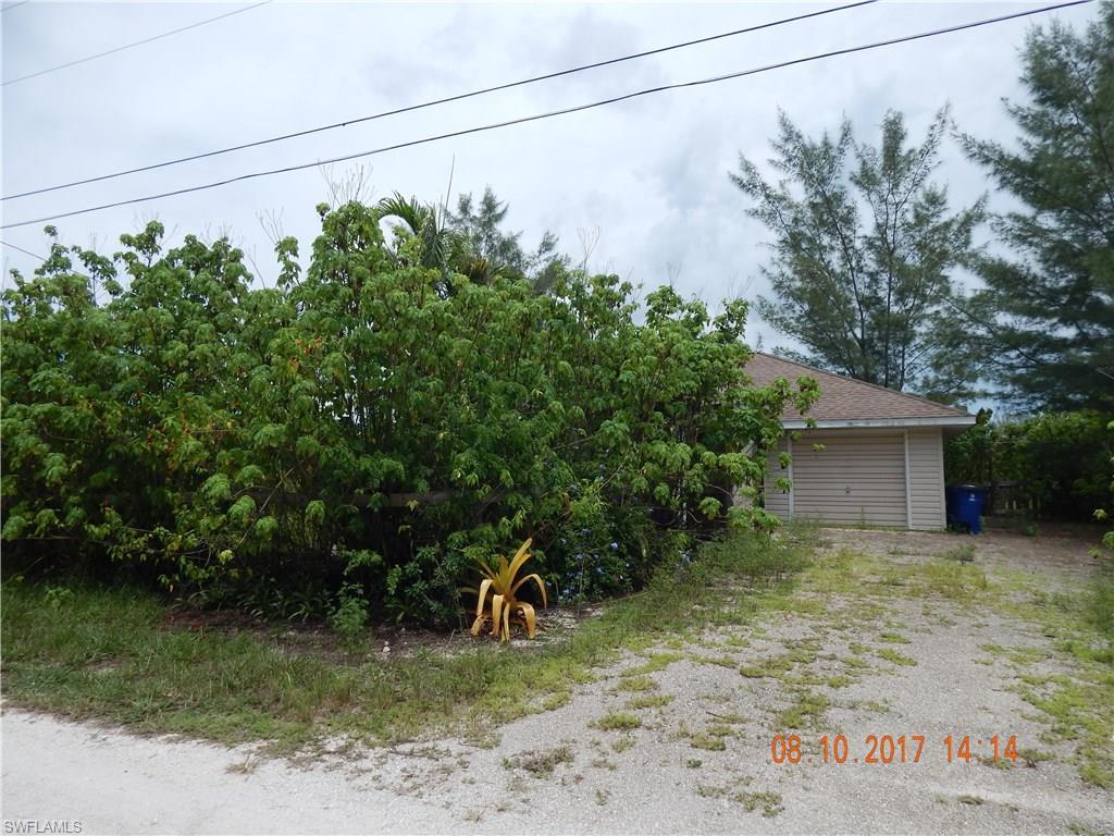 4176 Lake Breeze LN, ST. JAMES CITY, FL 33956