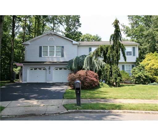 8 Tiby Place, Monmouth Junction, NJ 08852