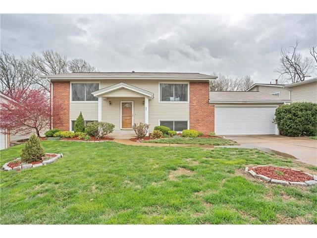1346 McKelvey Rd, Maryland Heights, MO 63043