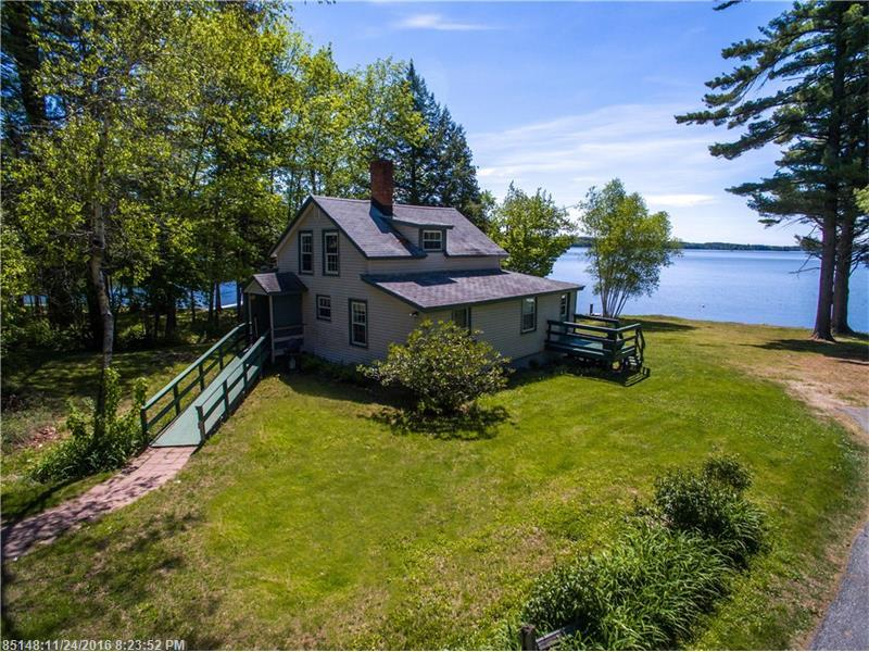 42 Mace AVE, Winthrop, ME 04364