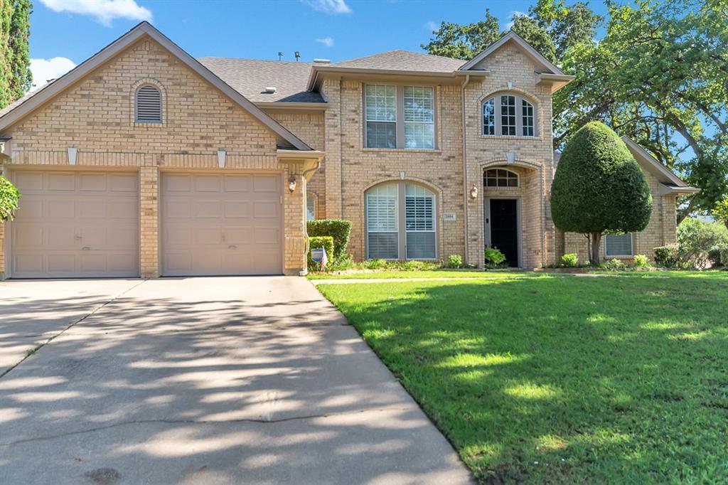 2804 Stonehurst Drive, Grapevine, TX 76051