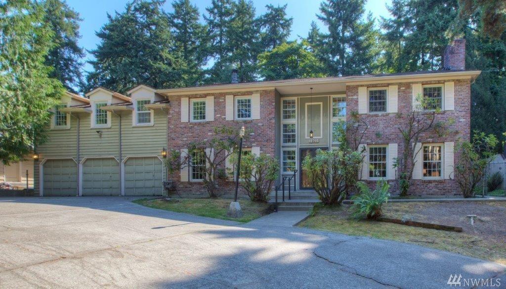 10710 Country Club Lane S, Seattle, WA 98168