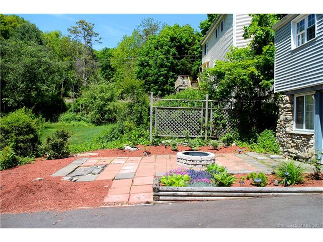 414 New Haven Ave, Derby, CT 06418