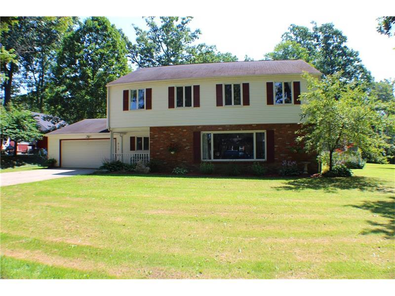 512 Oakhill Dr, Grove City, PA 16127