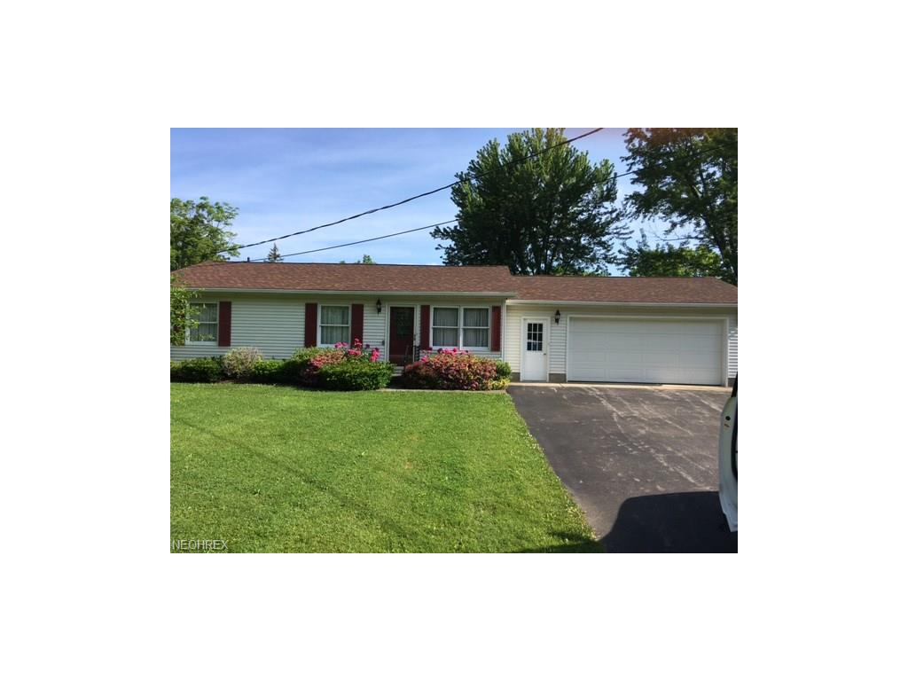 63 W Mulberry St, Jefferson, OH 44047