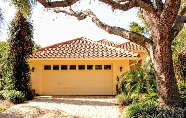 13 Laguna Ct, Palm Coast, FL 32137