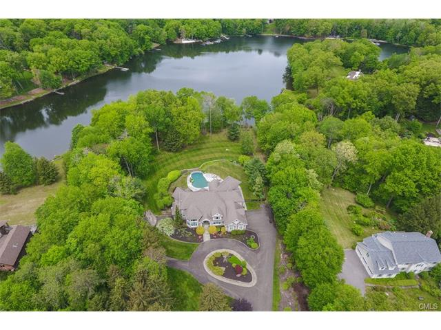 14 Hidden Brook Drive, Brookfield, CT 06804