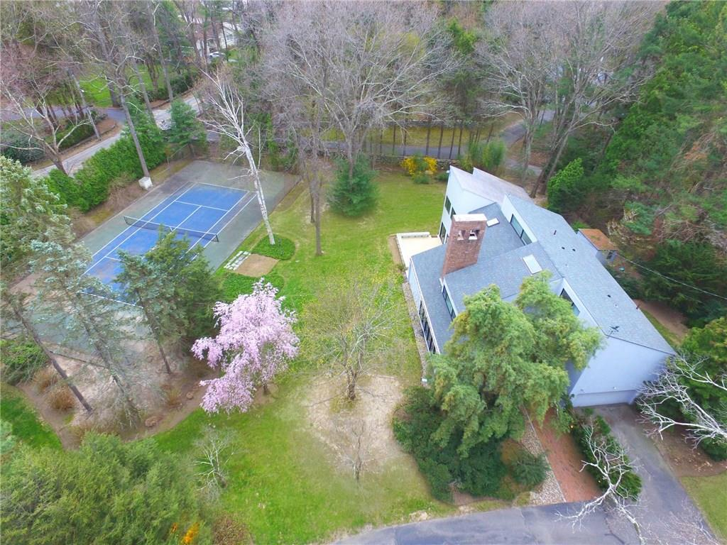 22 Governors DR, Warwick, RI 02818