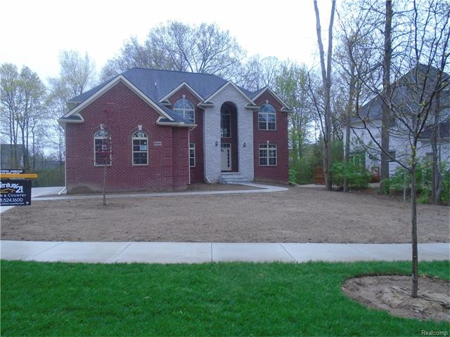 9046 Orchard DR, Shelby Twp, MI 48317