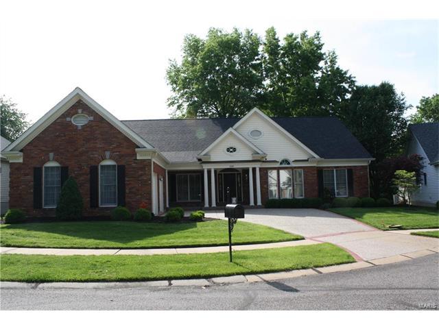 1302 Oaktree Estates Court, Chesterfield, MO 63017
