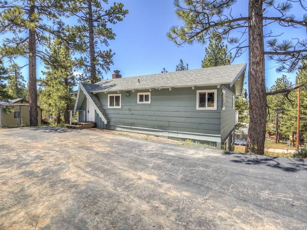 481 Lakewood Lane, Big Bear Lake, CA 92315