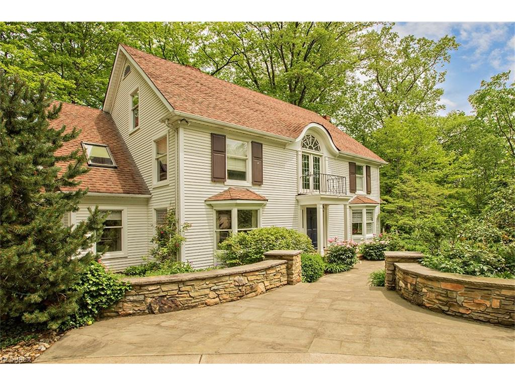 37475 Jackson Rd, Chagrin Falls, OH 44022