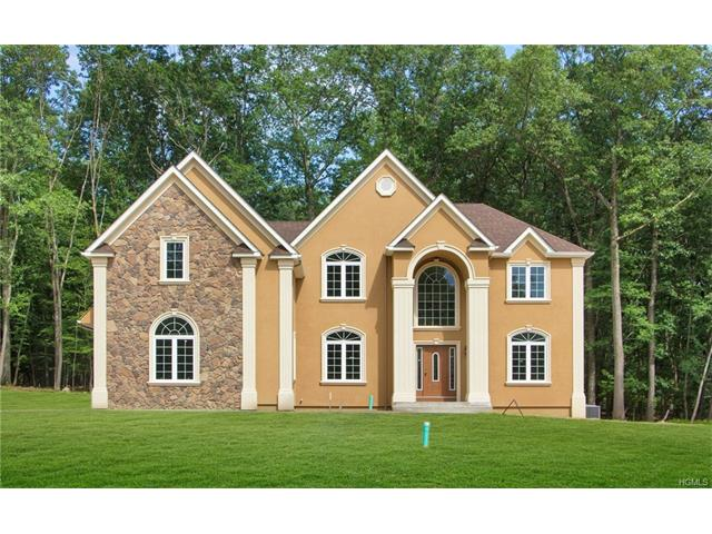 18 Winding Lane, Central Valley, NY 10917