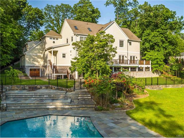 17 Candlelight Place, Greenwich, CT 06830