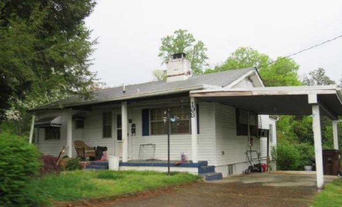 108 Tabor Rd, Oak Ridge, TN 37830