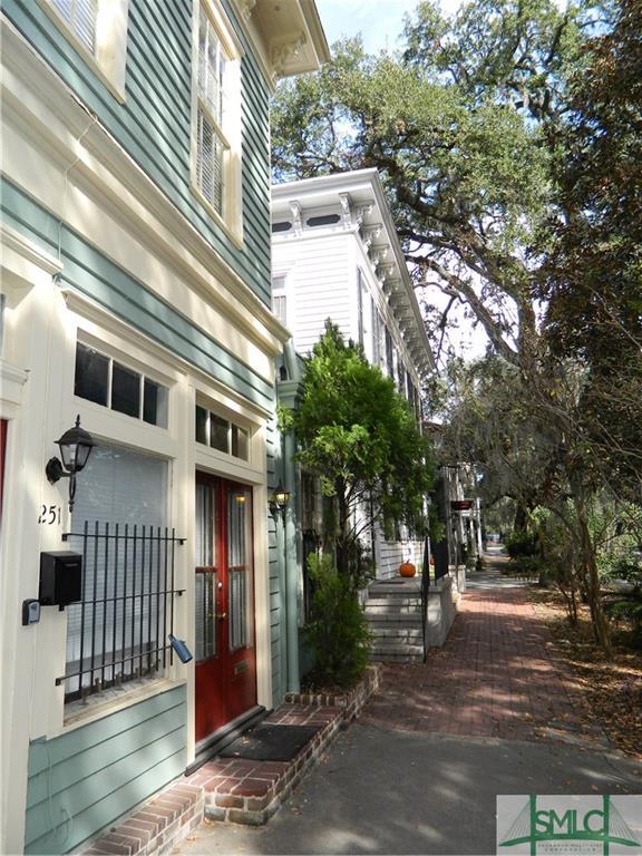 249 E Broad Street, Savannah, GA 31401