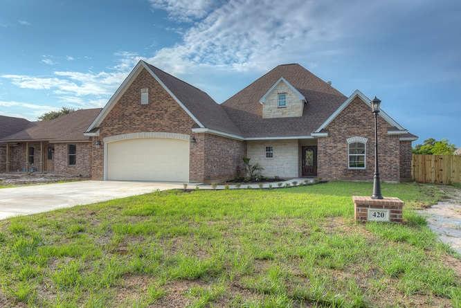 420 Bryant Blvd, Bridge City, TX 77611