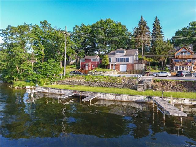 423 HEIGHTS Road, Orion Twp, MI 48362