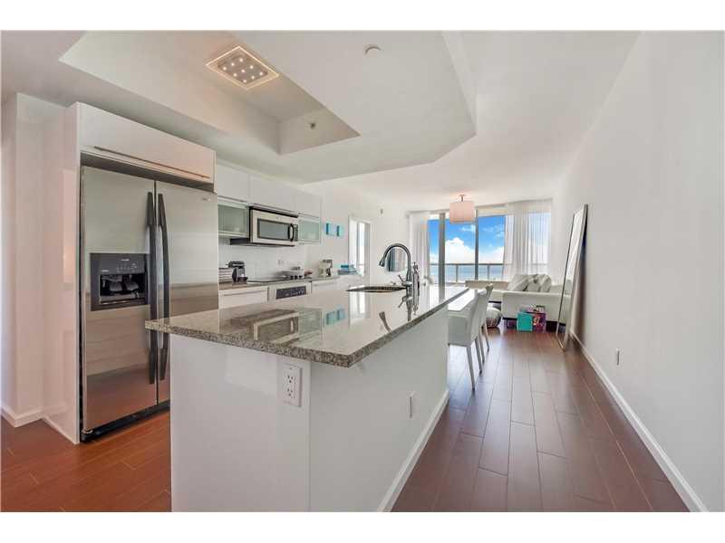 888 Biscayne Blvd 2104, Miami, FL 33132