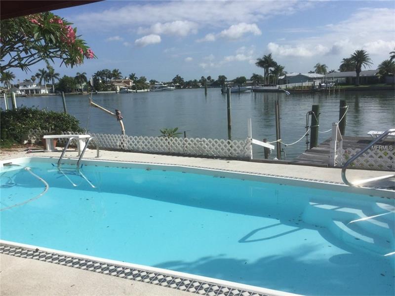 404 BATH CLUB BOULEVARD N, NORTH REDINGTON BEACH, FL 33708