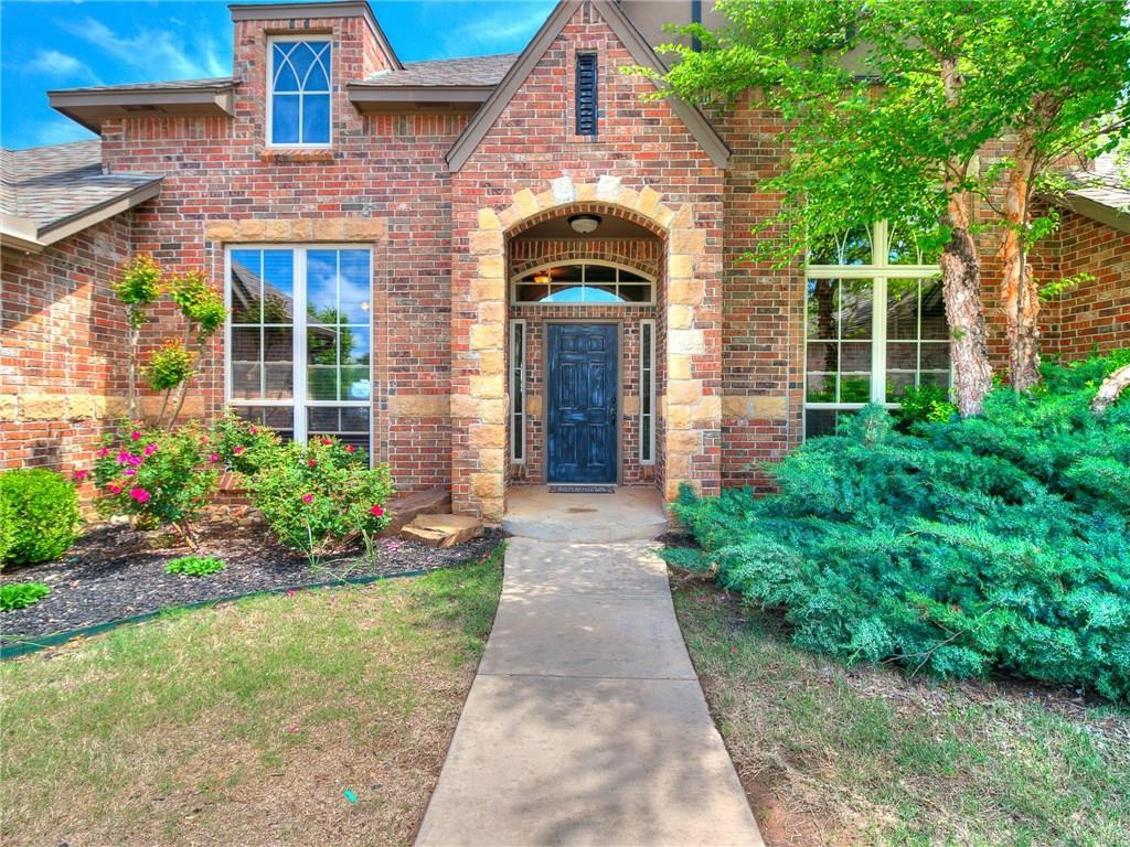 6220 Whispering Grove Drive, Oklahoma City, OK 73169