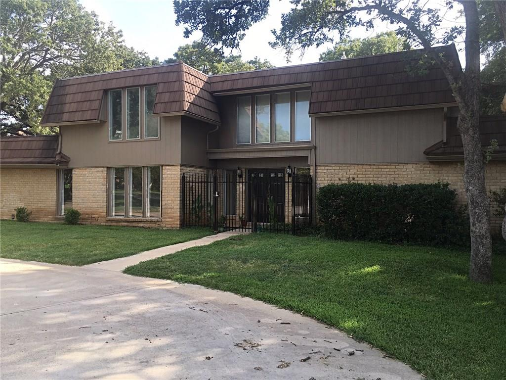 2220 Franklin Court, Arlington, TX 76011