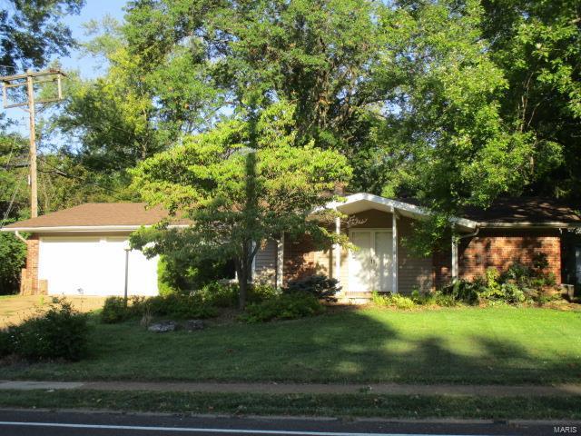 1611 Ross Avenue, St Louis, MO 63146