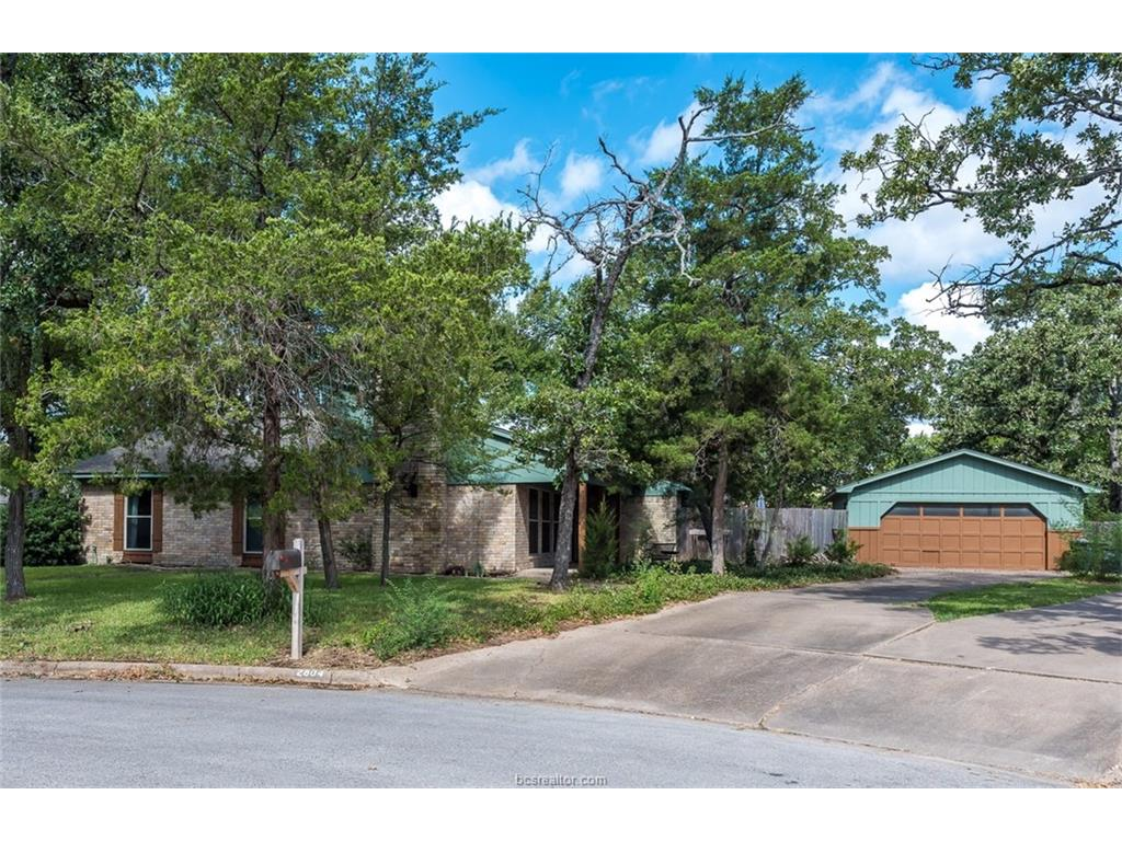 2804 Henry Court, College Station, TX 77845
