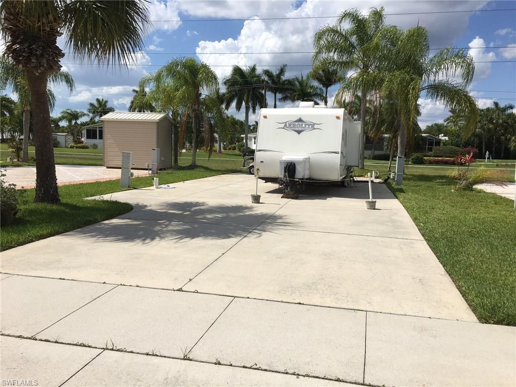 1643 Diamond Lake CIR, NAPLES, FL 34114