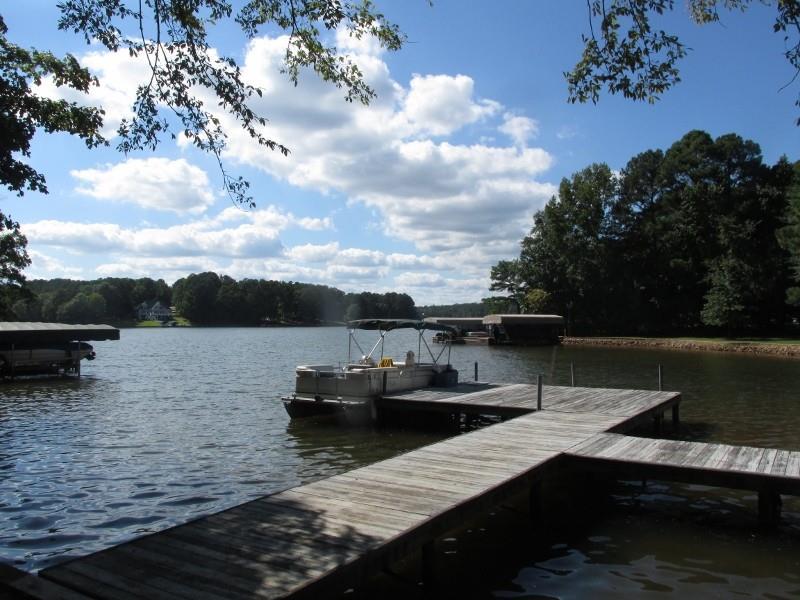210 River Lake Drive, Eatonton, GA 31024