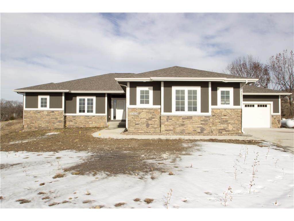 33638 Lakeview Pass, Adel, IA 50003