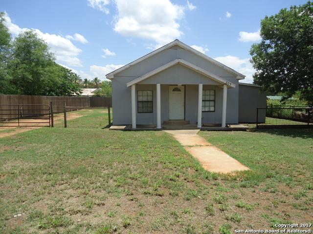 805 La Salle, Cotulla, TX 78014