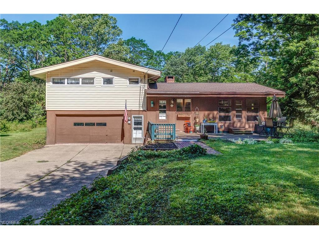 36801 Rogers Rd, Willoughby Hills, OH 44094