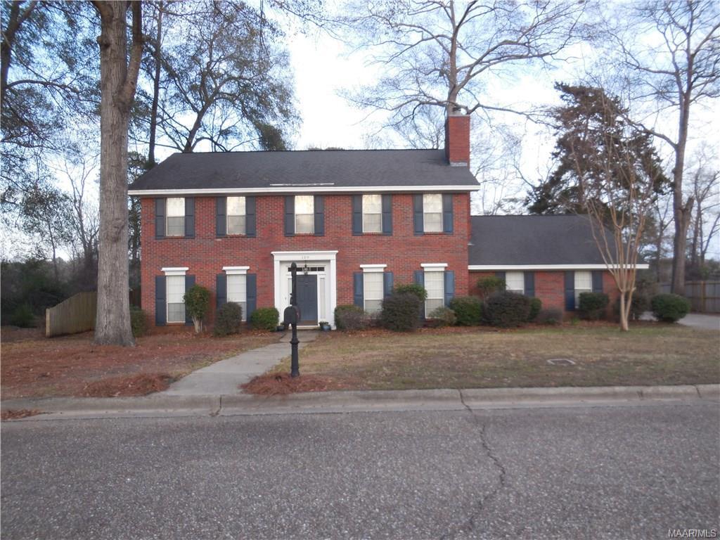 109 Shady Oak Lane, Prattville, AL 36066