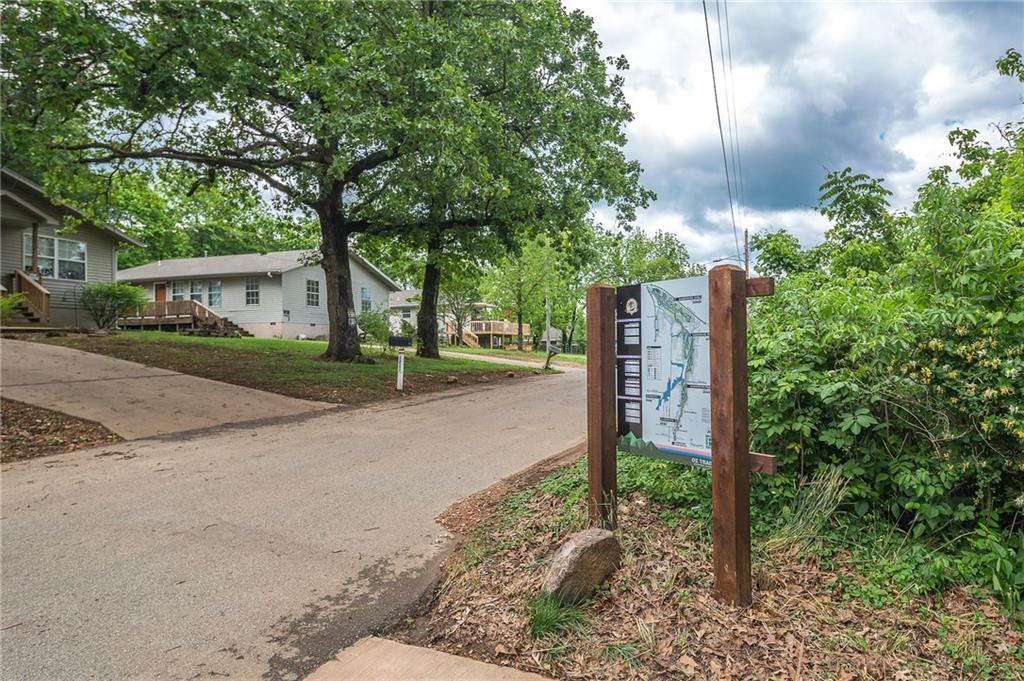 1213 Fillmore ST, Bentonville, AR 72712