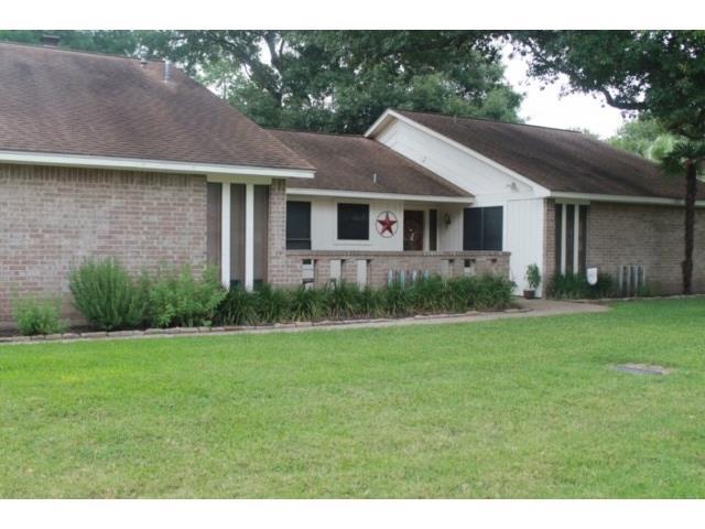 1006 Wilkes Cir, Smithville, TX 78957