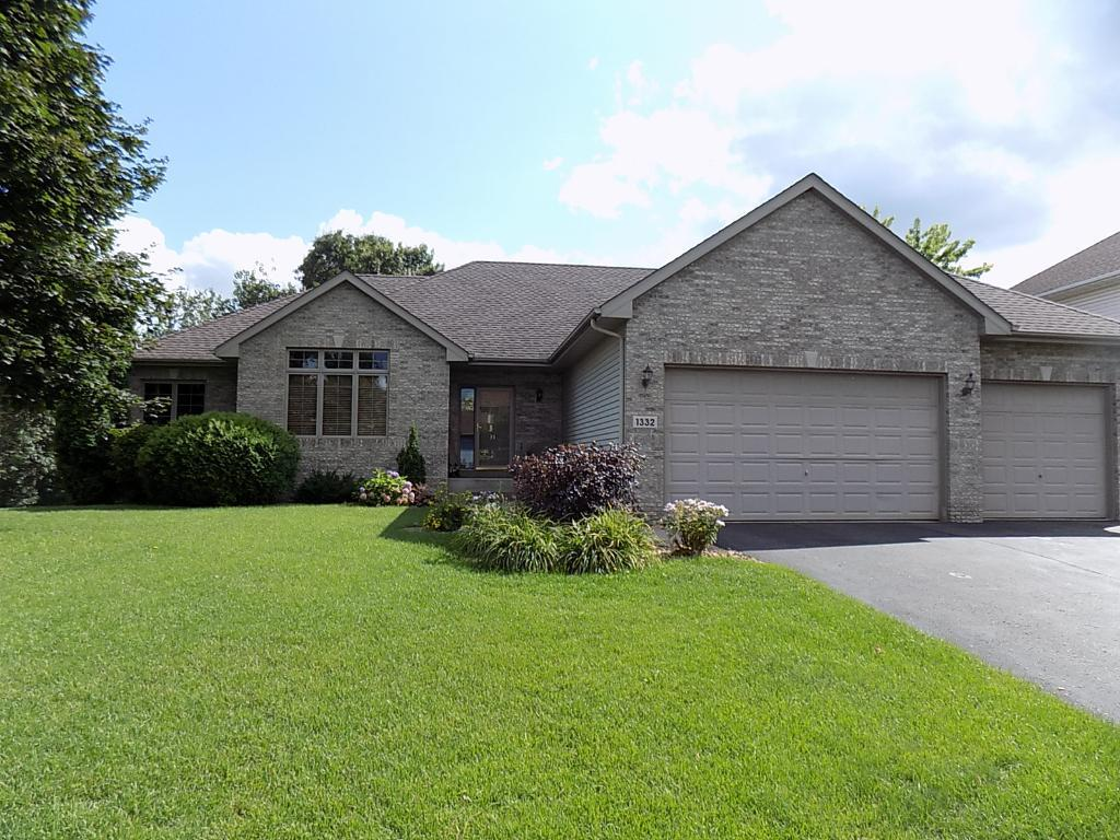 1332 126th Avenue NW, Coon Rapids, MN 55448